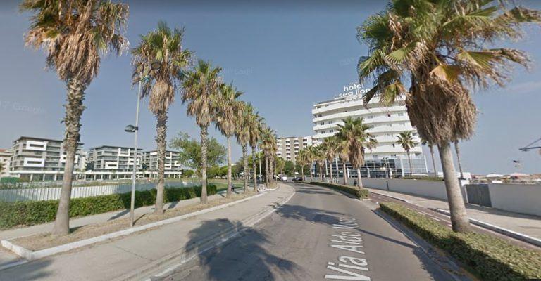 Montesilvano, schianto ai grandi alberghi: muore un giovane motociclista