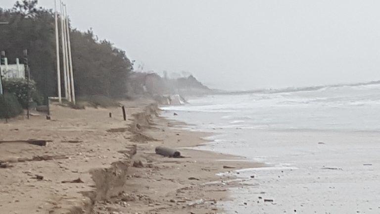 Pineto, la mareggiata spazza via 10mila metri cubi di sabbia del ripascimento