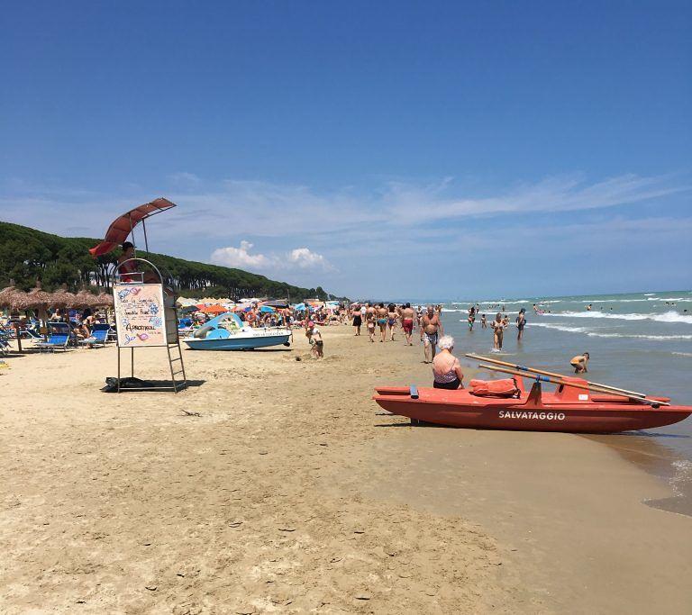 Pineto, sconfitto l'abusivismo commerciale in spiaggia