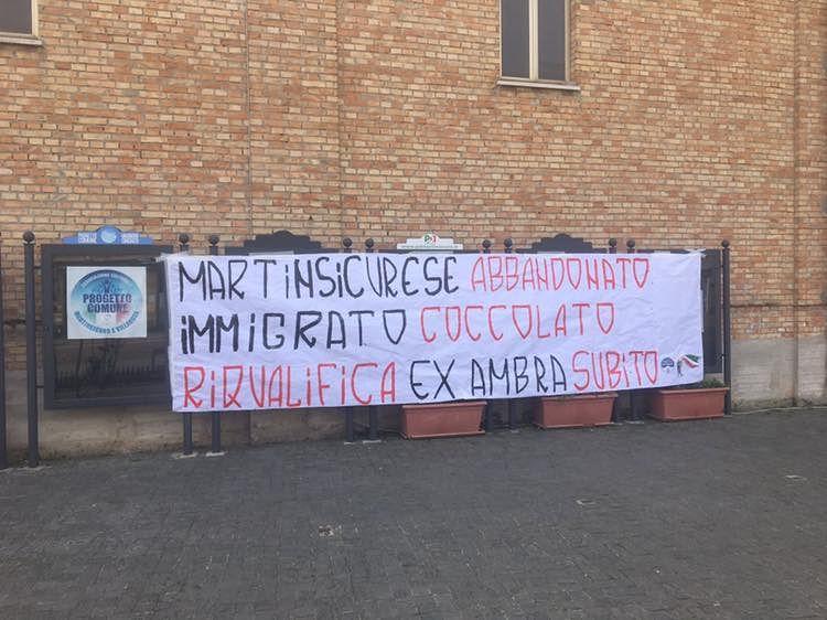 Martinsicuro, subito la riqualificazione del Cinema Ambra: sit-in di Fratelli d'Italia e Gioventù Nazionale FOTO