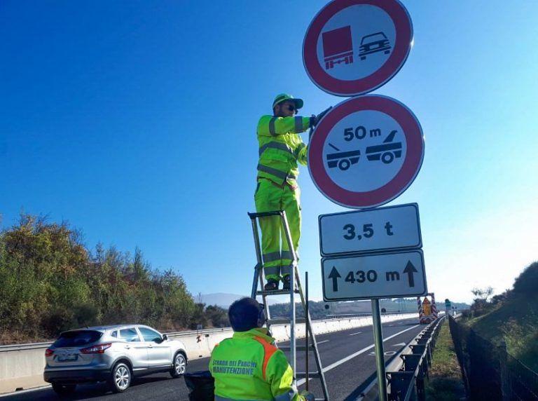 Verifiche sui viadotti: stop ai mezzi pesanti (3 giorni) sul tratto L'Aquila Est-Colledara
