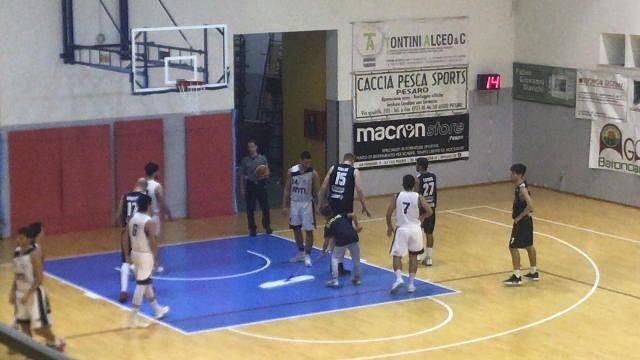 L'Unibasket Lanciano vola e vince pure a Pesaro