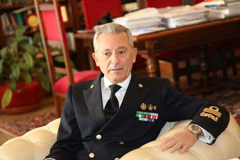 Pescara, Delfino d'oro all'ammiraglio Giovanni Pettorino
