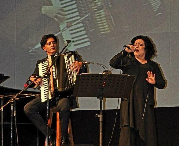 Gessopalena, Antonella Ruggiero in 'Sole Lucente' un progetto di Davide Cavuti