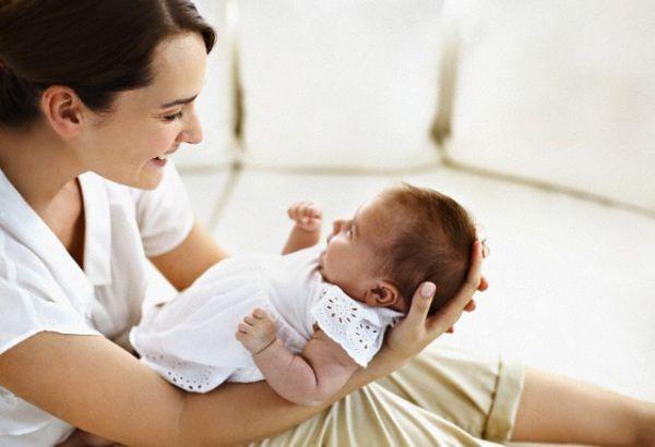 """Teramo, raccolta firme per il reddito di maternità: """"Drammatico calo delle nascite"""""""