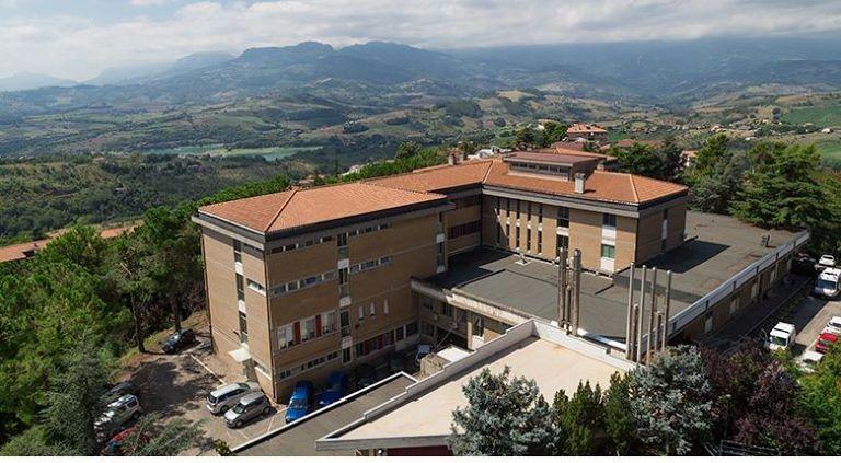 """Penne: """"L'ospedale San Massimo non può essere Covid Hospital"""""""