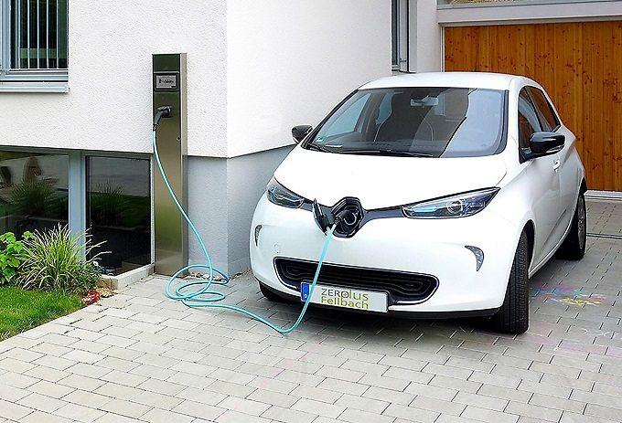 Auto elettriche: in Abruzzo ne circolano 64. Sono ancora poche ma il dato è in crescita