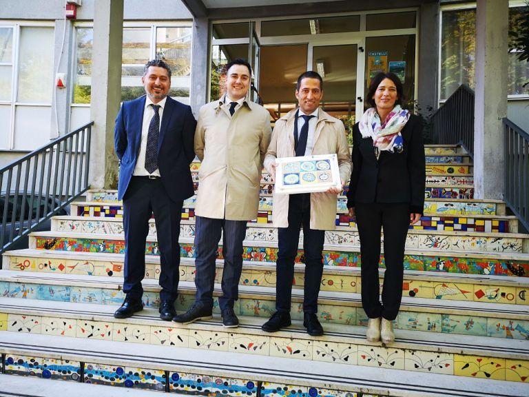 """Il sottosegretario Mibac Vacca in visita a Castelli: """"Patrimonio penalizzato dalla politica locale"""""""