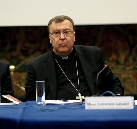 Teramo, il vescovo incontra il mondo dell'informazione. Iniziativa del Corecom