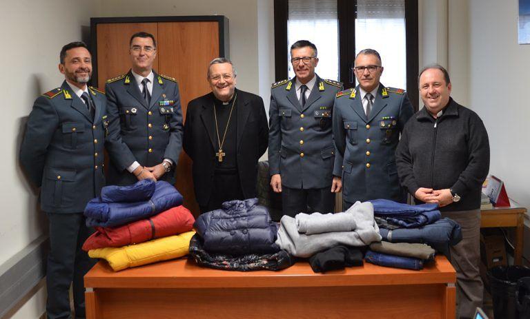 Pescara: le Fiamme Gialle donano oltre trecento capi sequestrati, alla Caritas