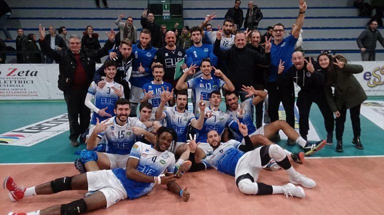 Bel Natale per i tifosi del Pineto Volley: vittoria contro il Loreto