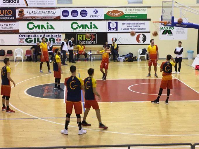 Basket, dopo due supplementari Giulianova sbanca Catanzaro