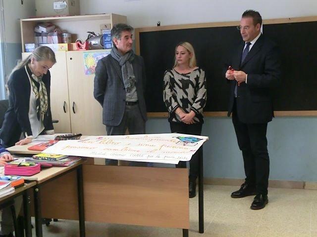 Montesilvano, il Banco Scuola fa tappa all'Istituto Comprensivo 'Gianni Rodari' VIDEO