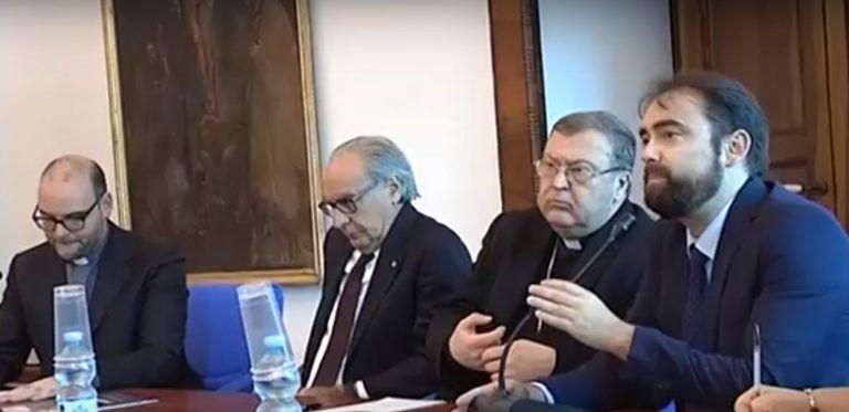 Teramo, mondo social e fake news nell'incontro organizzato da Corecom e vescovo