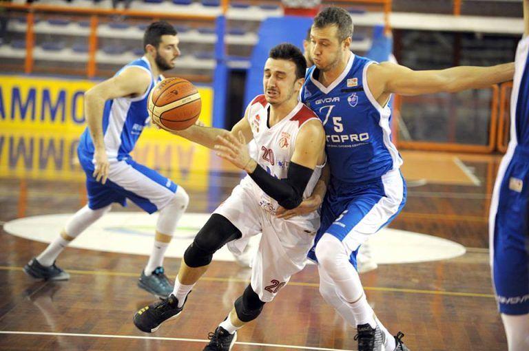Unibasket Pescara senza freni: sesta vittoria contro Fabriano