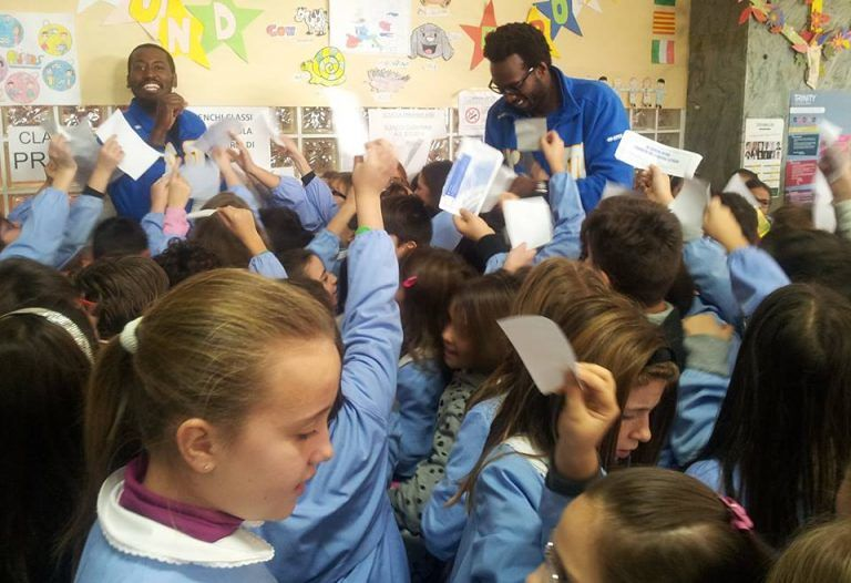 Atri, i giocatori del Roseto Sharks incontrano gli alunni della scuola primaria