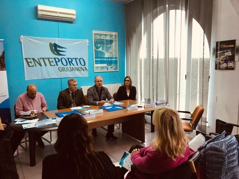 """Giulianova, parte il progetto """"Il mare a scuola"""" del Flag Costa Blu (NOSTRI SERVIZI)"""
