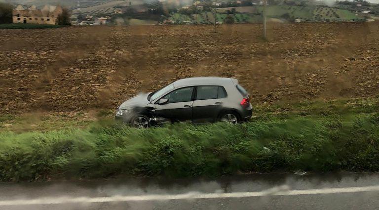 Corropoli, scontro tra due auto lungo la Statale 259