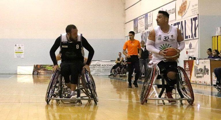 Basket in carrozzina, l'Amicacci perde la terza consecutiva contro Cantù