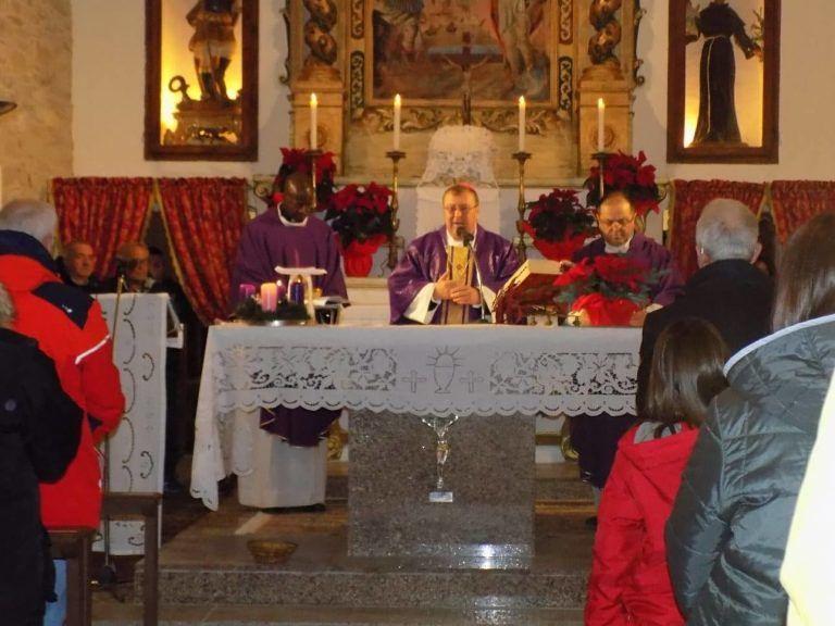 Montorio, il Vescovo Leuzzi alla riapertura della chiesa a Colledonico