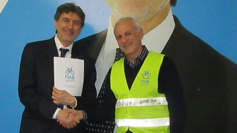 Elezioni Abruzzo, il documento FIAB consegnato ai candidati FOTO
