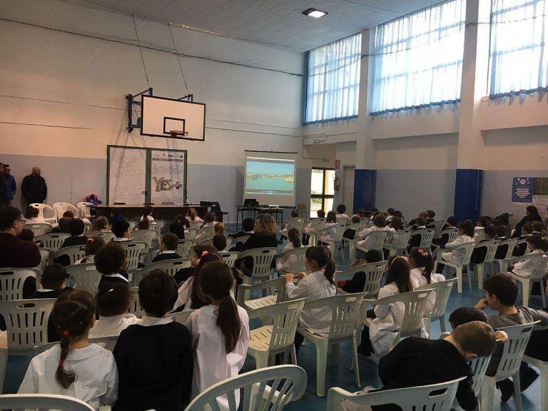 """Alba Adriatica, """"il mare a scuola"""": proiettato il filmato sulla filiera della vongola FOTO"""