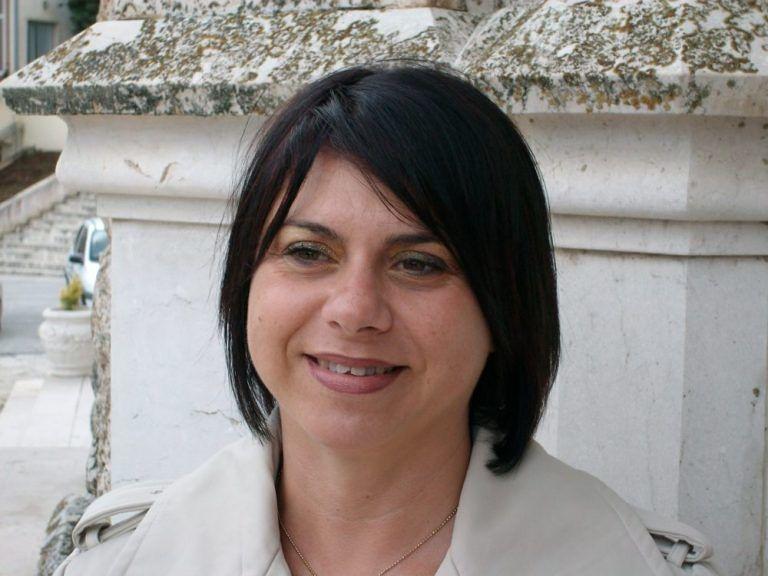 Il Comune di Teramo contro il reintegro di Anna Capponi, pronto un sit-in davanti il tribunale de L'Aquila