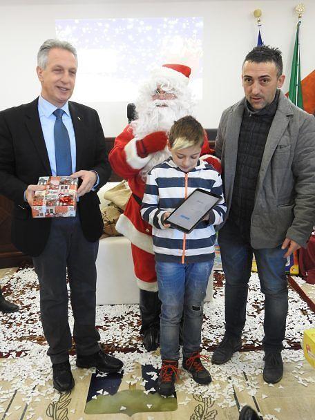 Crognaleto, Babbo Natale tecnologico per le due nuove scuole