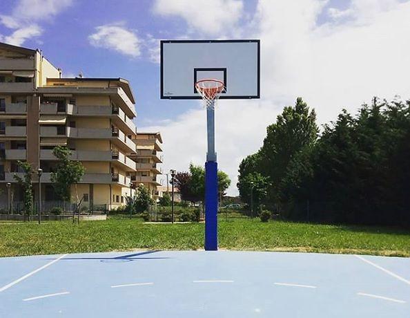 Montesilvano, un campetto da basket a Fosso Foreste