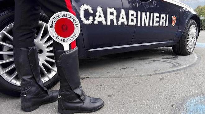 Martinsicuro, marijuana nascosta in casa: scoperto dai carabinieri