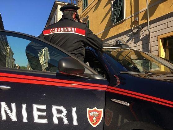 Martinsicuro, bloccato dai carabinieri nel bar: in casa aveva hashish e metadone