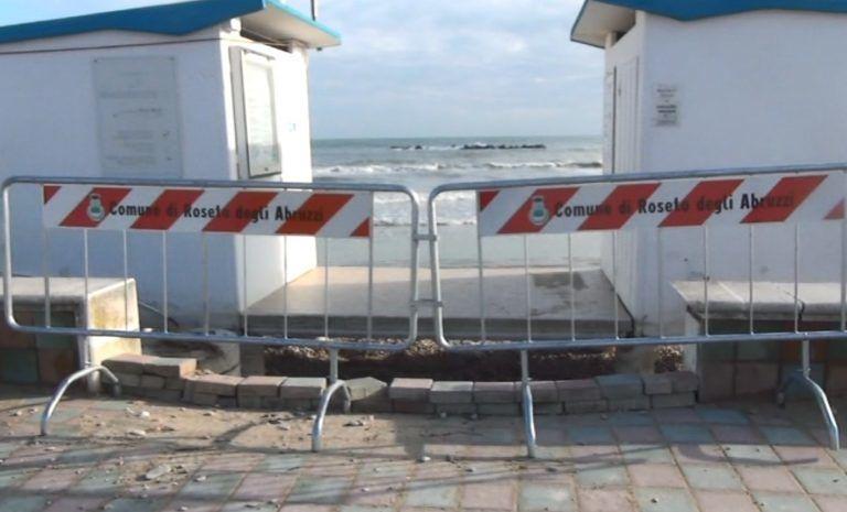 Cologna, dopo la violenta mareggiata transennati gli accessi in spiaggia. A maggio nuovo ripascimento