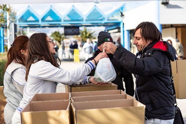 Sevel: donate oltre 2 tonnellate di cibo al Banco Alimentare Abruzzo