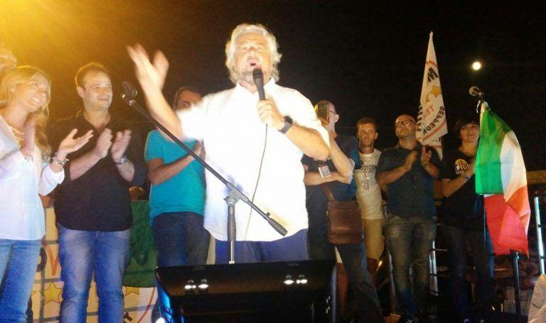 Beppe Grillo: 'gli abruzzesi devono restituire 700mila euro al M5S'