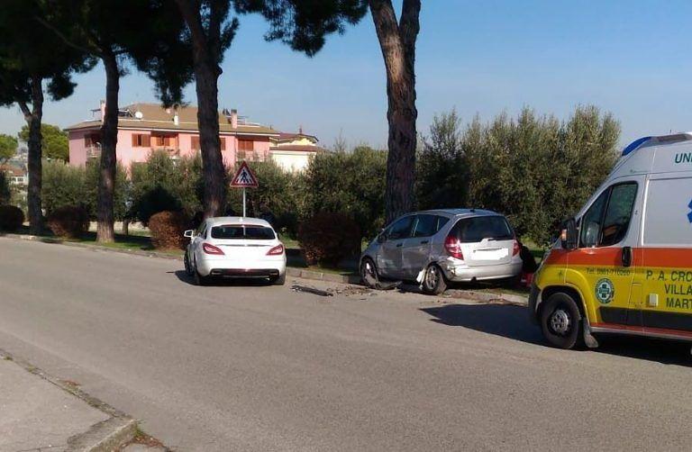 Sant'Omero, incidente con feriti sulla strada dell'ospedale