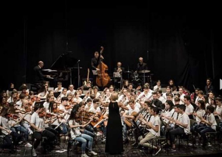 Civitella, Valenza abbraccia Ponzano con il concerto dell'orchestra della scuola Pascoli