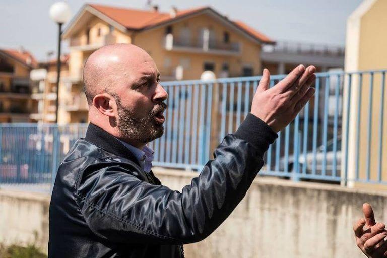 """Pescara, """"Bianco di m…."""": Forconi (FdI) denuncia un immigrato per razzismo"""