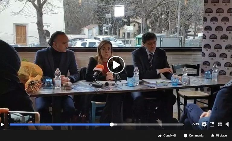 """Meloni a Bussi con Marsilio: """"Bonifica rallentata per colpa di Costa"""" VIDEO"""