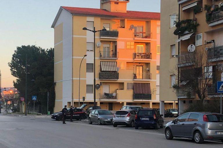 Pescara, a Rancitelli con 46 ovuli di cocaina: arrestato con 49mila euro in contanti