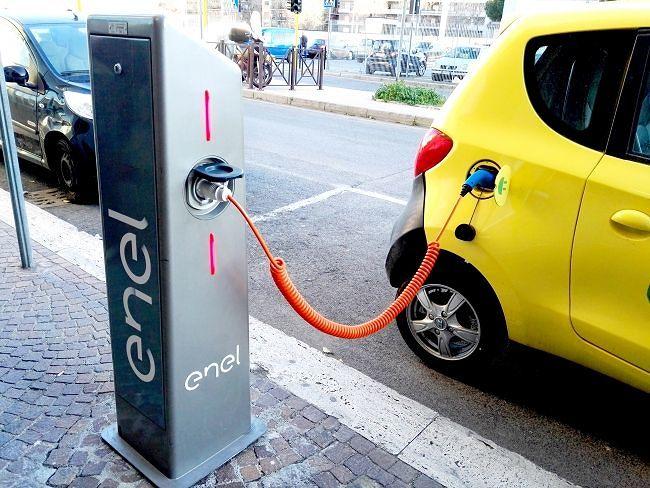 Tortoreto, auto elettriche: definito l'accordo per installare i punti di ricarica