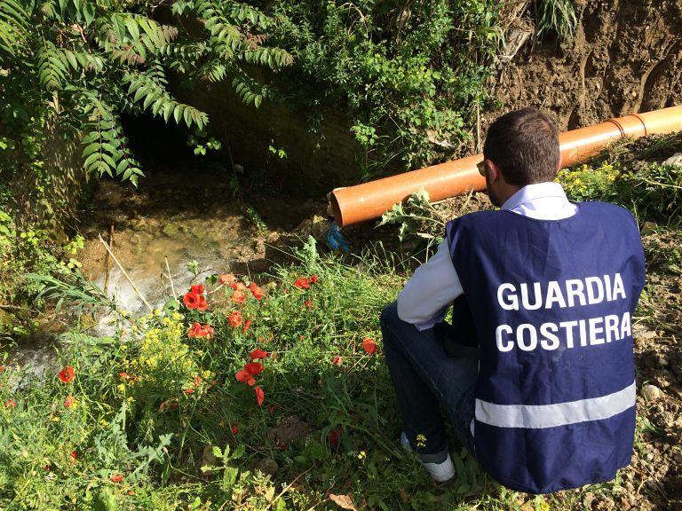 Scarichi nel fiume Pescara, chiesto il processo per 9 persone e 2 società: coinvolti Regione, Aca e mattaoi
