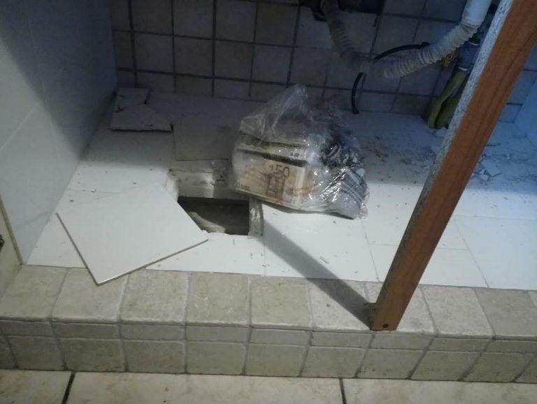 Pescara, nella casa popolare con 110mila euro: il giudice non sequestra i soldi nascosti