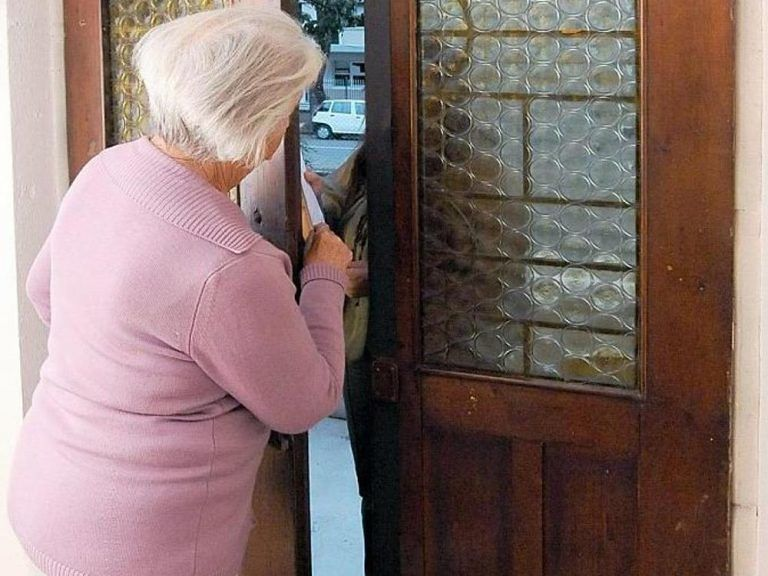 Pescara, truffa agli anziani: arrestati 2 finti dipendenti comunali