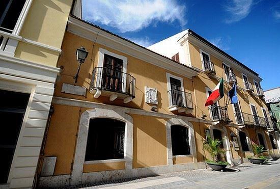 Pescara, la Soprintendenza alla Belle Arti trasferita a Chieti: scatta la protesta