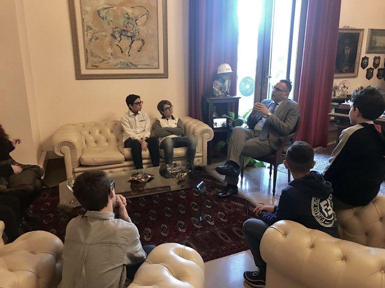 Pescara, il 'grazie' della città ai ragazzi che hanno restituito il portafogli