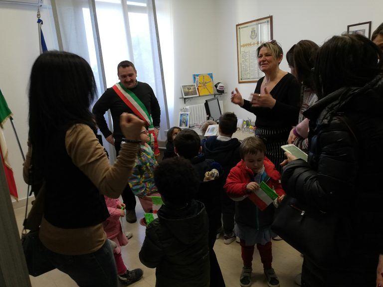 Silvi: gli alunni della primaria in Comune per conoscere le attività del Sindaco