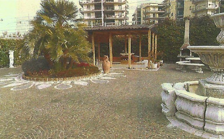 Montesilvano, costruzioni abusive demolite in viale Europa
