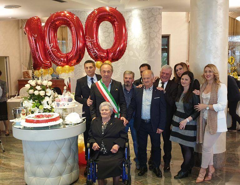 Manoppello festeggia i 100 anni di nonna Livia
