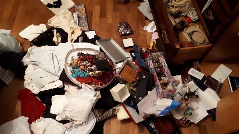 Martinsicuro, ladri nel condominio di via Trento FOTO