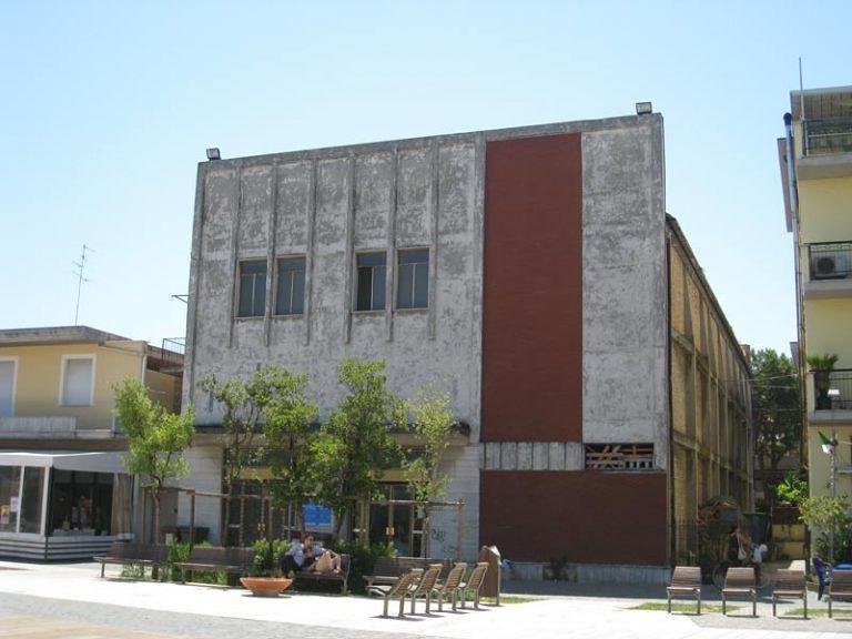 Martinsicuro, cinema Ambra: copertura leggera dopo la rimozione del tetto